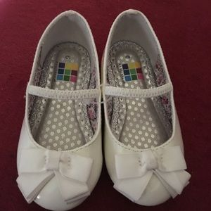 💝Health Tex White Patent Shoes
